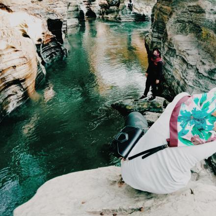 Batu Kapal Pembuka Pertama Sandal Jebol